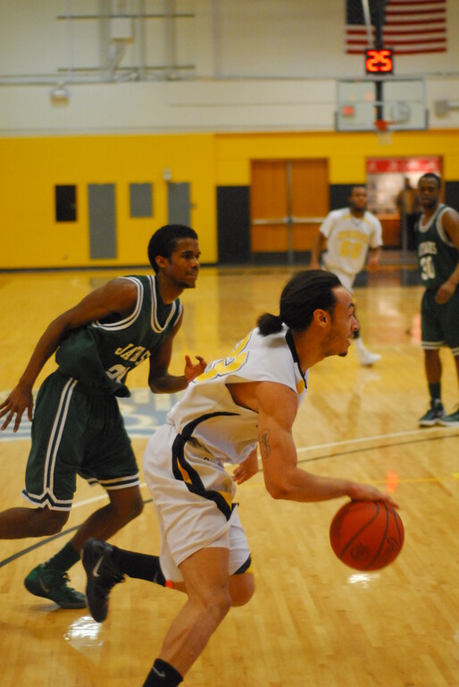 20120225_MCC Basketball_0260