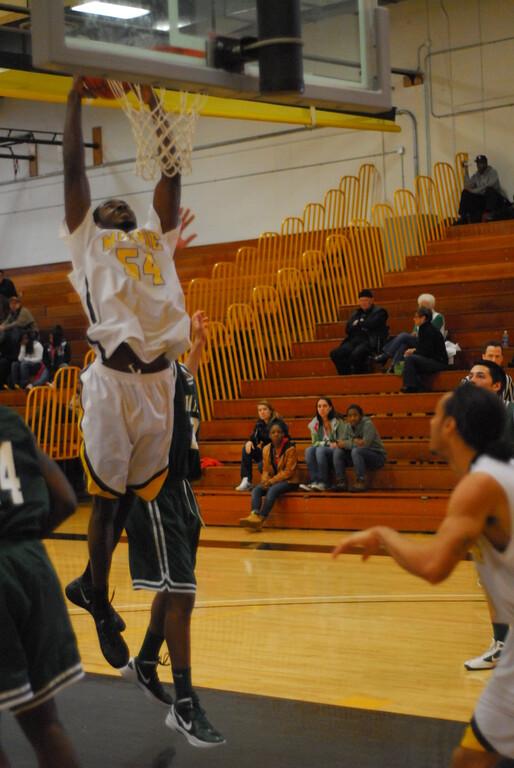 20120225_MCC Basketball_0264
