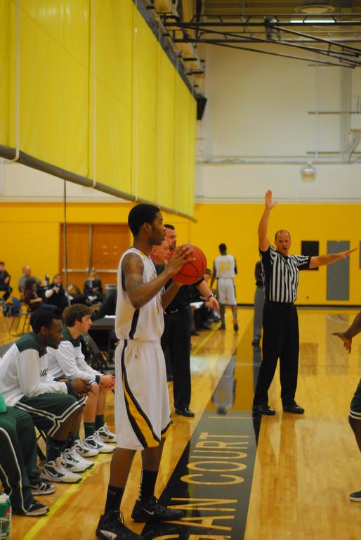 20120225_MCC Basketball_0232
