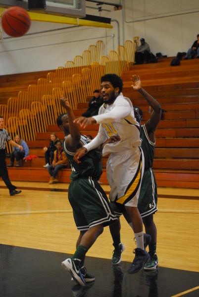 20120225_MCC Basketball_0230
