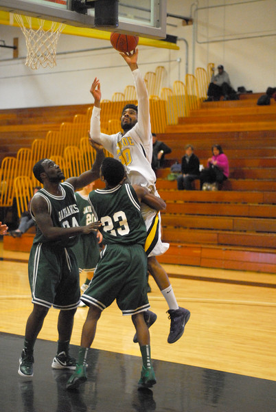 20120225_MCC Basketball_0284a