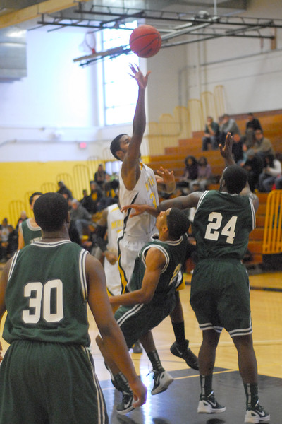 20120225_MCC Basketball_0254a