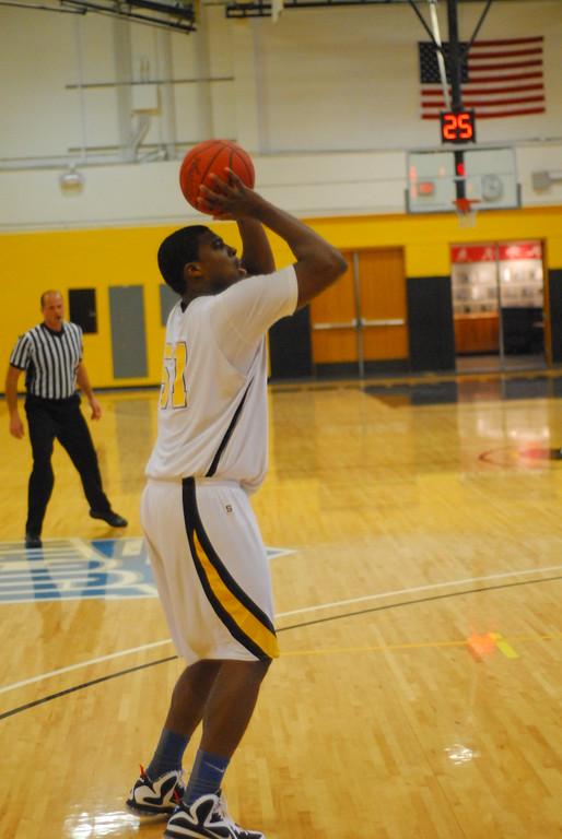 20120225_MCC Basketball_0198