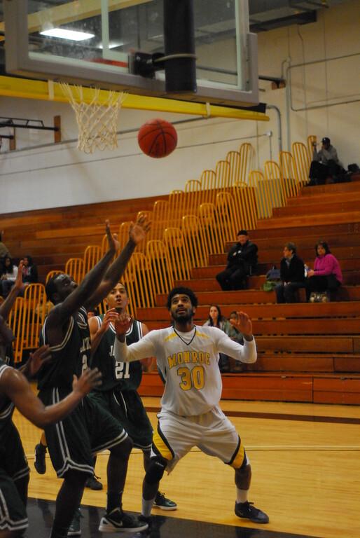 20120225_MCC Basketball_0276