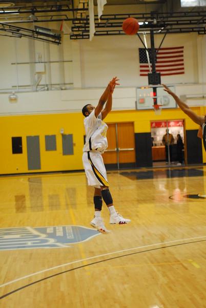 20120225_MCC Basketball_0328