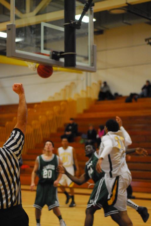 20120225_MCC Basketball_0294