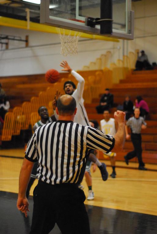20120225_MCC Basketball_0292