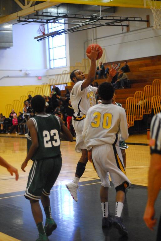 20120225_MCC Basketball_0322