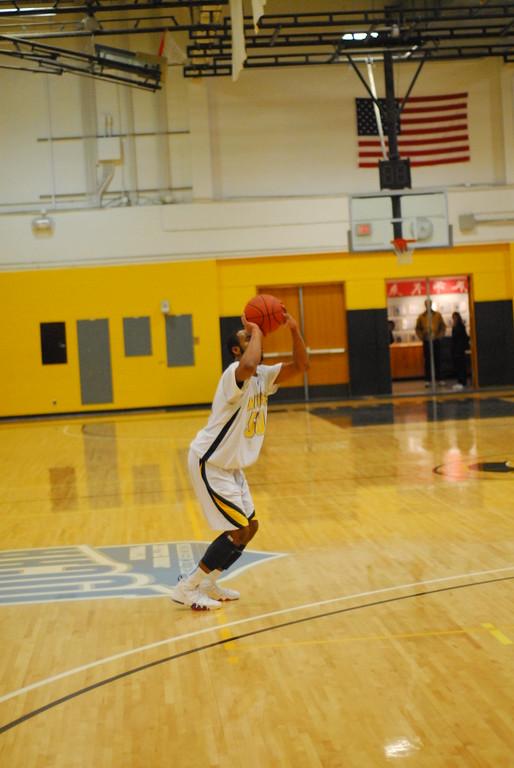 20120225_MCC Basketball_0326