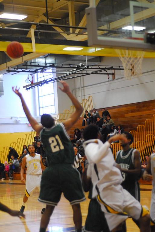 20120225_MCC Basketball_0211