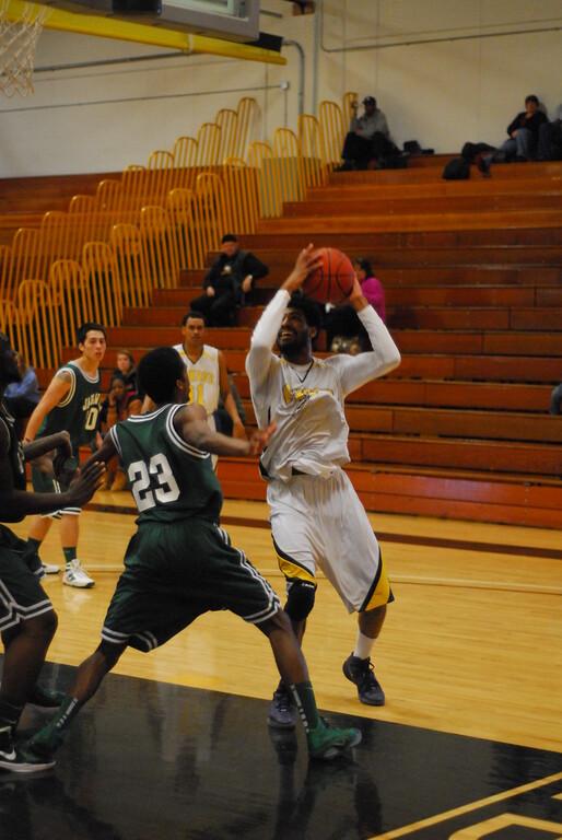 20120225_MCC Basketball_0282