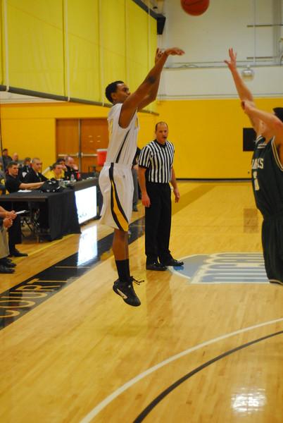 20120225_MCC Basketball_0304