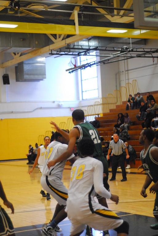 20120225_MCC Basketball_0213