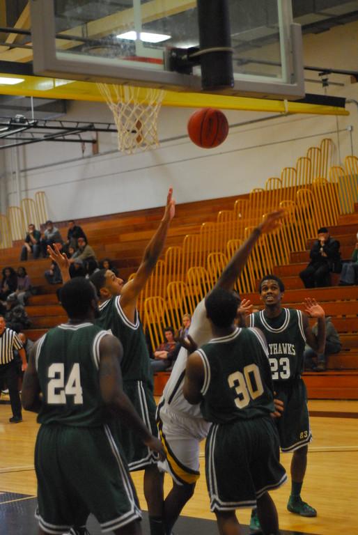 20120225_MCC Basketball_0215