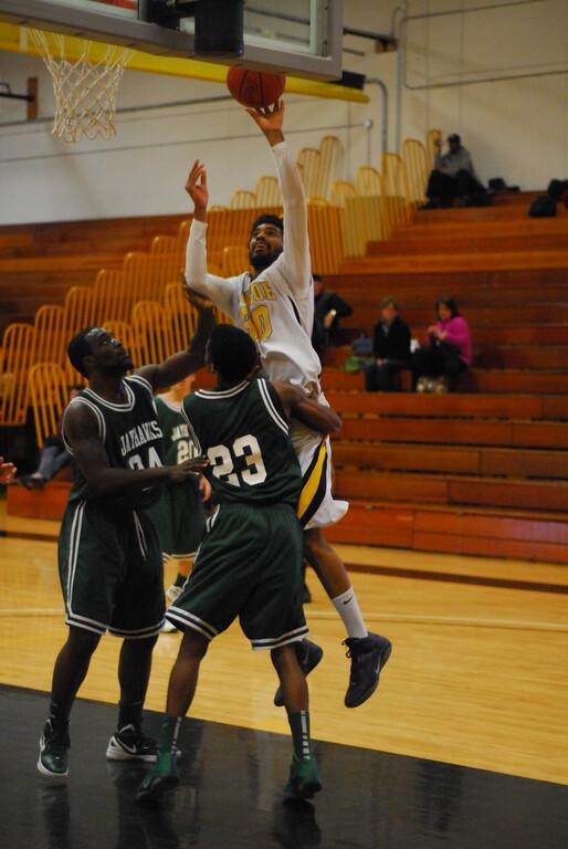 20120225_MCC Basketball_0284