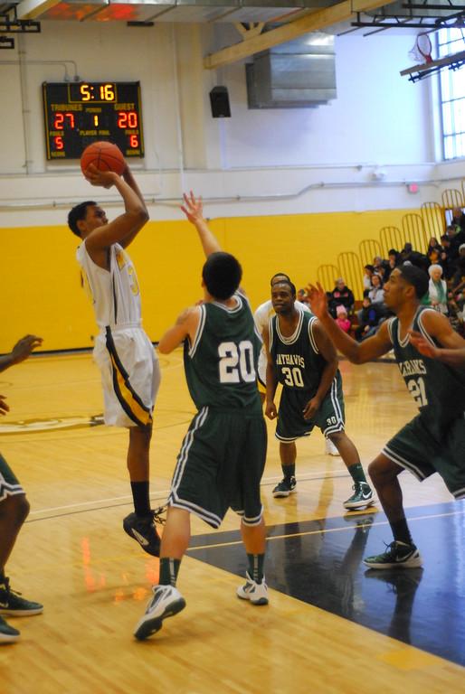 20120225_MCC Basketball_0301
