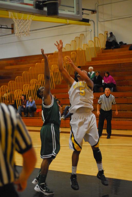 20120225_MCC Basketball_0310