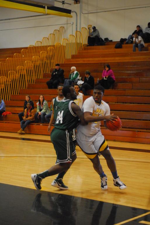 20120225_MCC Basketball_0201