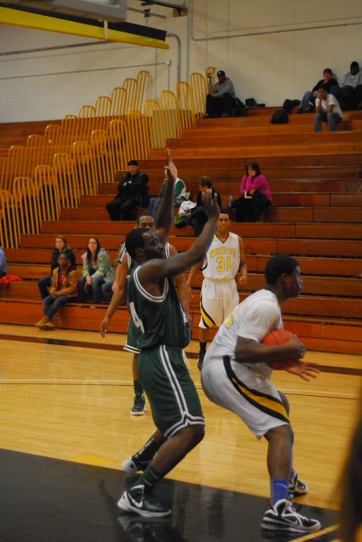20120225_MCC Basketball_0203
