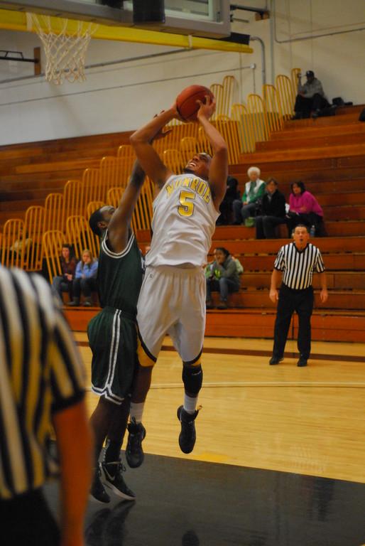 20120225_MCC Basketball_0309