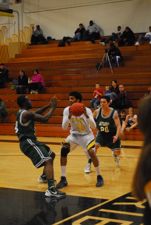 20120225_MCC Basketball_0271