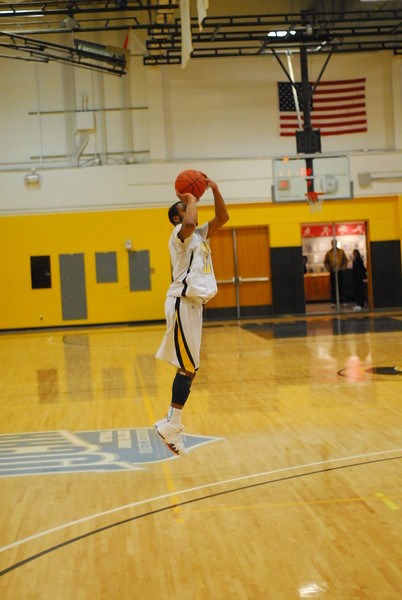 20120225_MCC Basketball_0327
