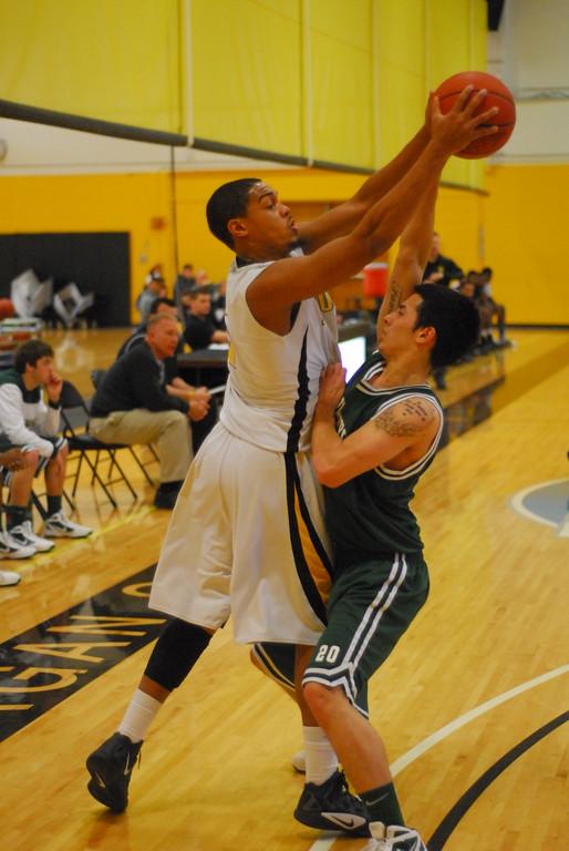 20120225_MCC Basketball_0303