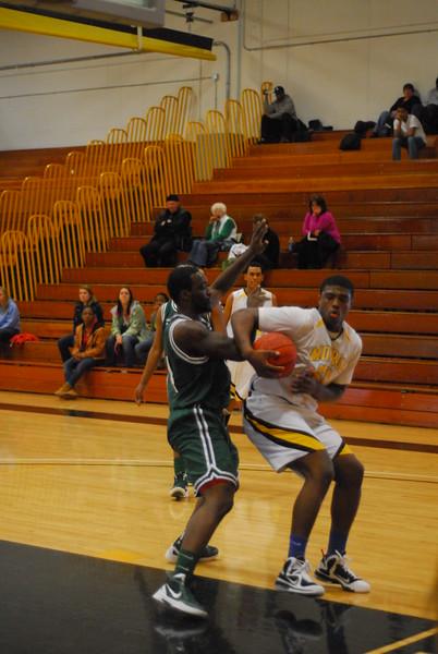 20120225_MCC Basketball_0202