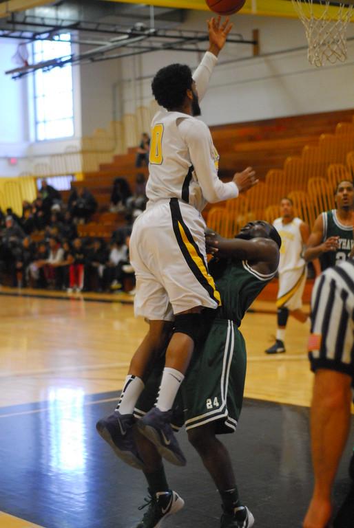 20120225_MCC Basketball_0298