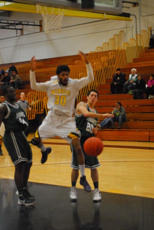 20120225_MCC Basketball_0306
