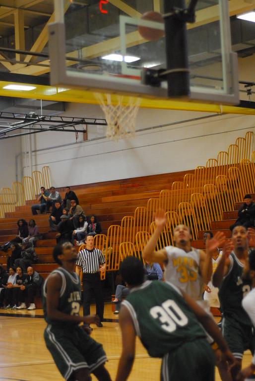 20120225_MCC Basketball_0225