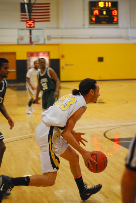 20120225_MCC Basketball_0259