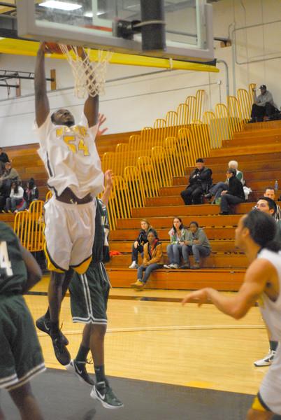 20120225_MCC Basketball_0264a