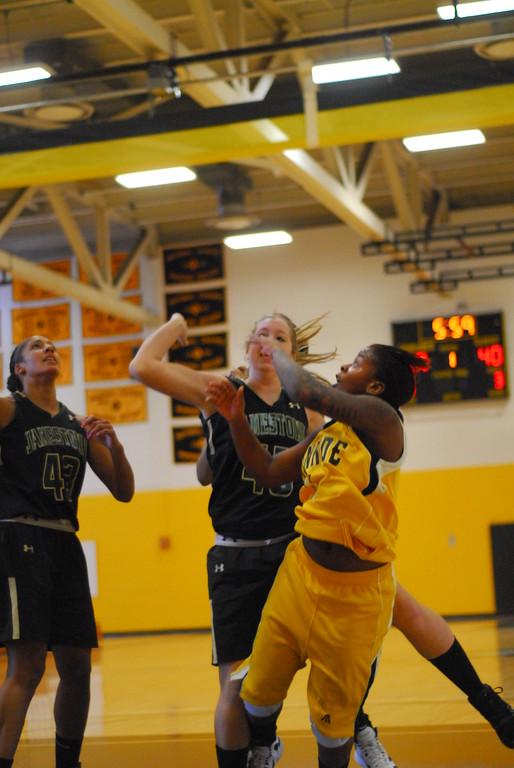 20120225_MCC Basketball_0157