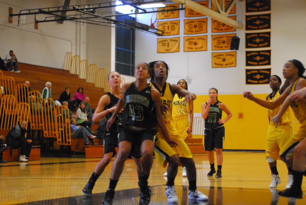 20120225_MCC Basketball_0158