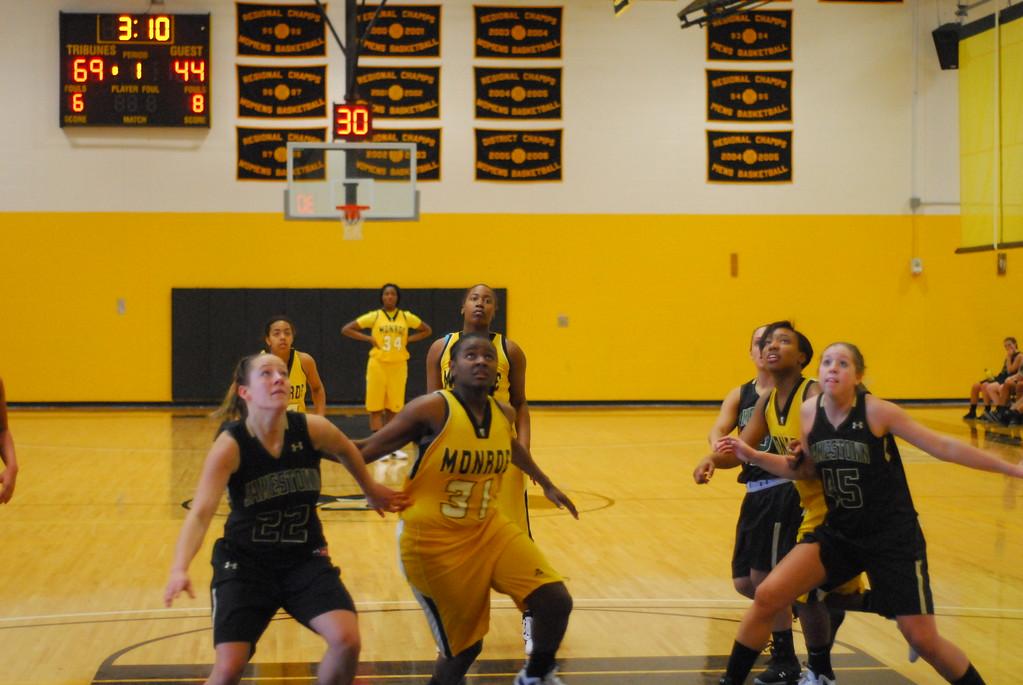 20120225_MCC Basketball_0179