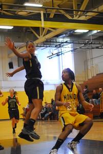 20120225_MCC Basketball_0045