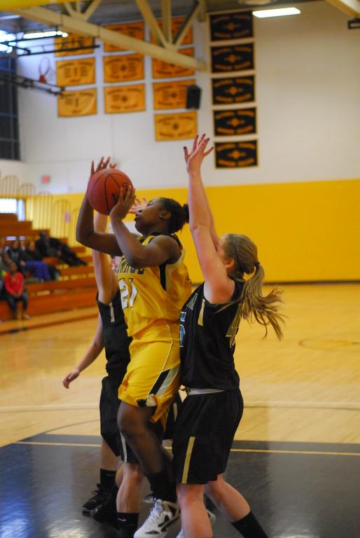 20120225_MCC Basketball_0178