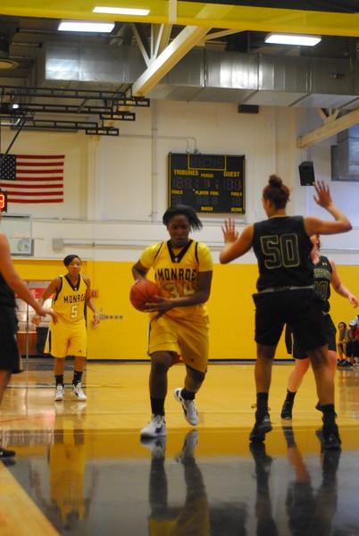 20120225_MCC Basketball_0028