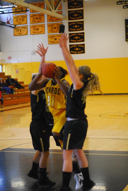 20120225_MCC Basketball_0177