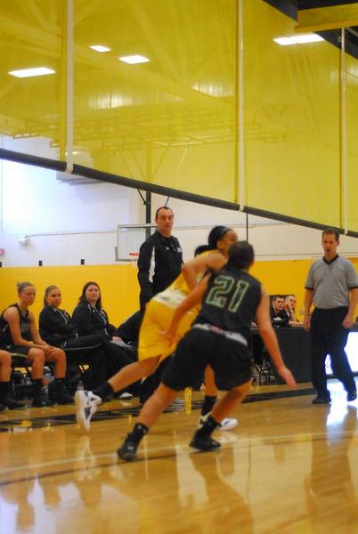 20120225_MCC Basketball_0039
