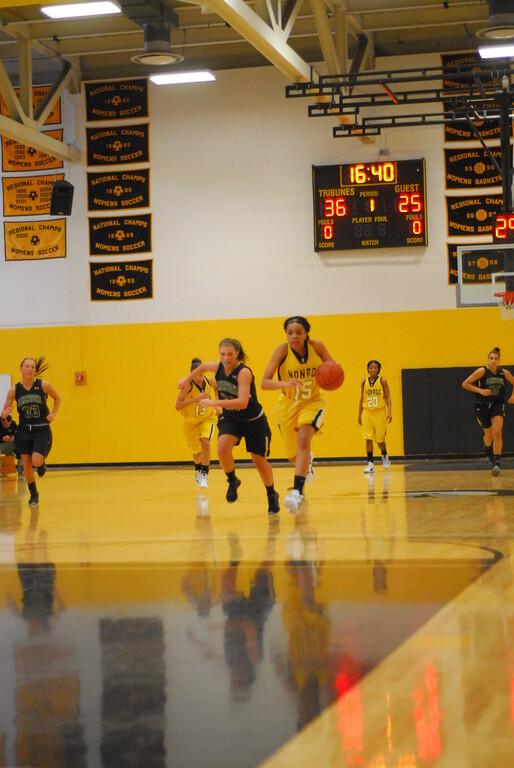 20120225_MCC Basketball_0091