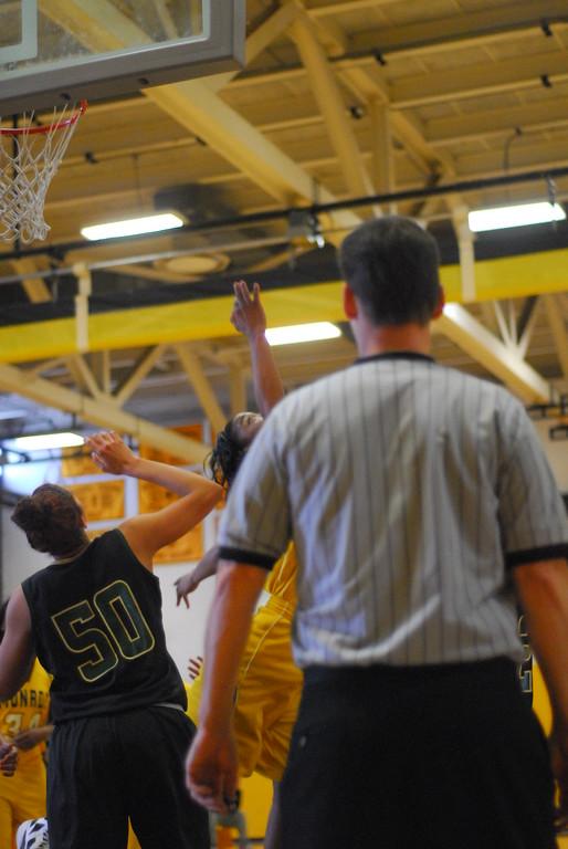 20120225_MCC Basketball_0107