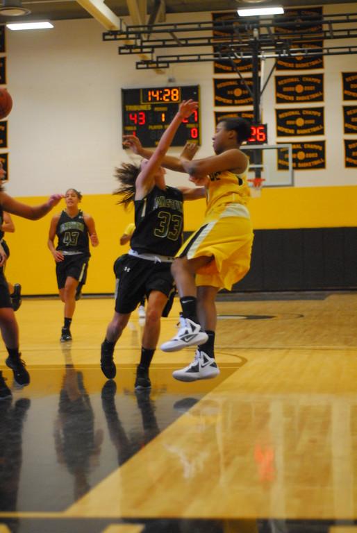 20120225_MCC Basketball_0109