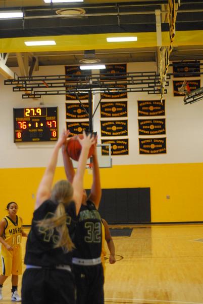20120225_MCC Basketball_0190