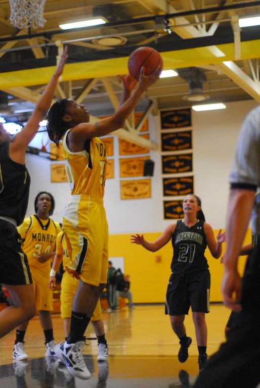 20120225_MCC Basketball_0105