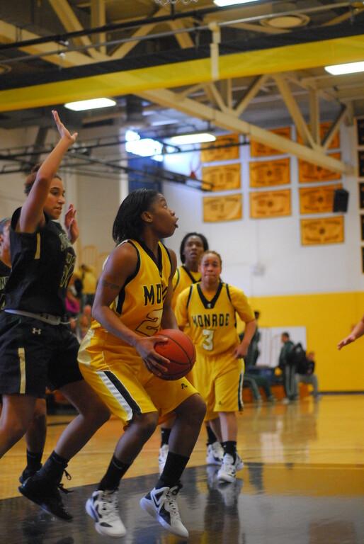 20120225_MCC Basketball_0104