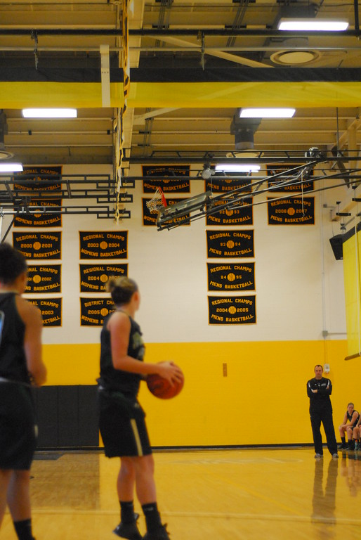20120225_MCC Basketball_0083