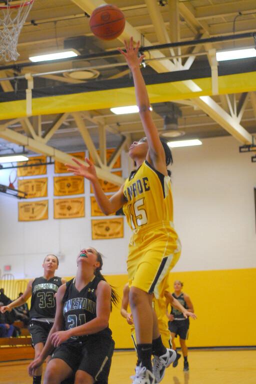 20120225_MCC Basketball_0099a