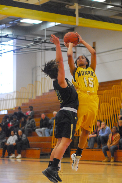 20120225_MCC Basketball_0058a